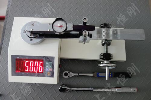 测扭力工具