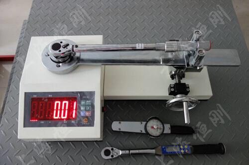 ?扭力扳手测量仪图片